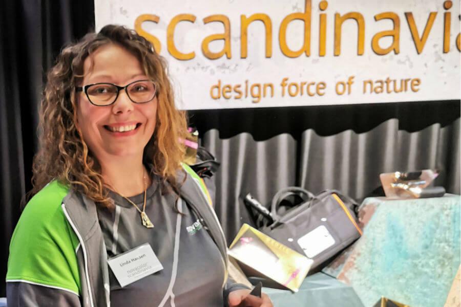 Linda er Novacolor forhandler. novacolor.dk