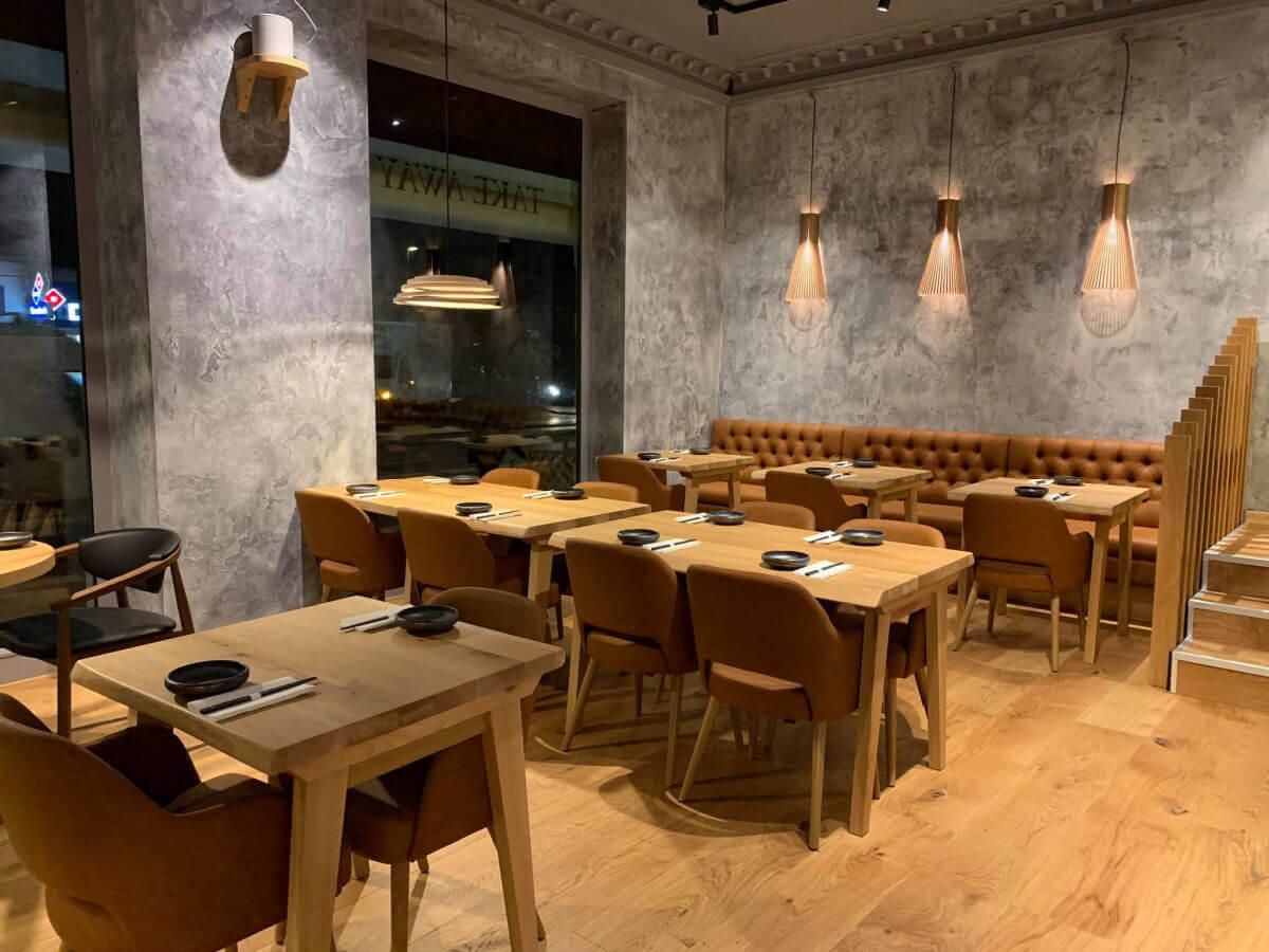 Novacolor farver og produkter giver en restaurant i Vanløse et ekslusivt look. novacolor.dk